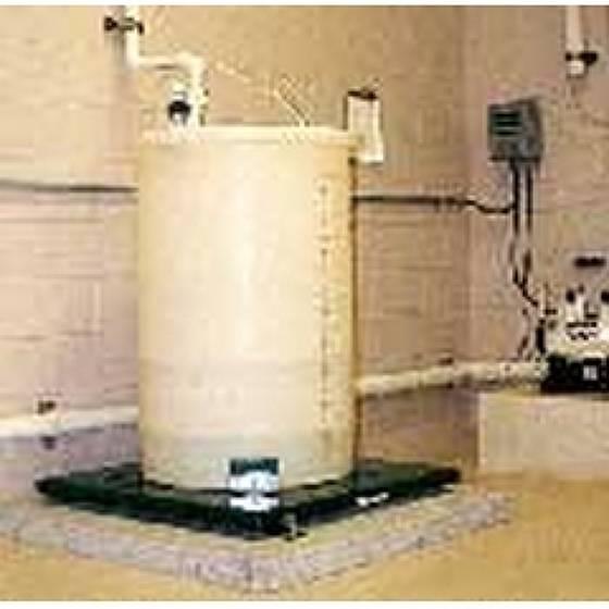 Весы для баллонов и цилиндров с контролем уровня, расхода и скорости подачи Chem -Scale® — Электронные